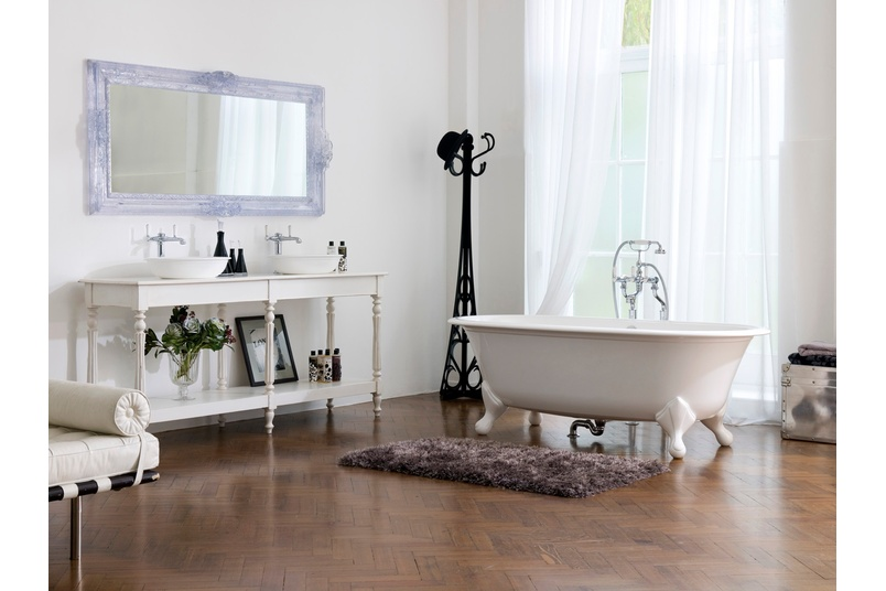 Radford freestanding bath.