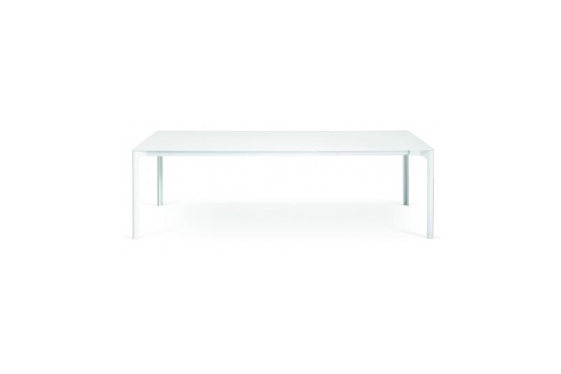 Zooom table by Piero Lissoni