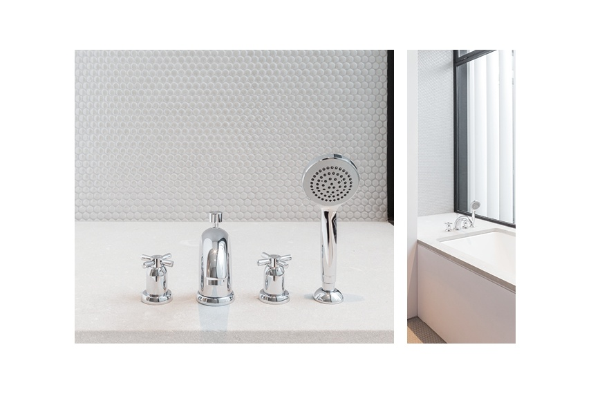 Perrin & Rowe Contemporary deck mounted bath tap with pull out handshower in chrome