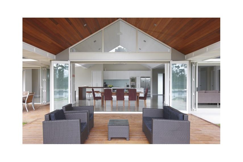 Foldback® bifold doors maximise indoor-outdoor entertaining