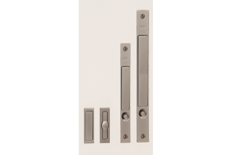 The HB 685 large push-button activated edge pull for pocket doors is an extension of our edge pull range catering for oversized/barn type doors.