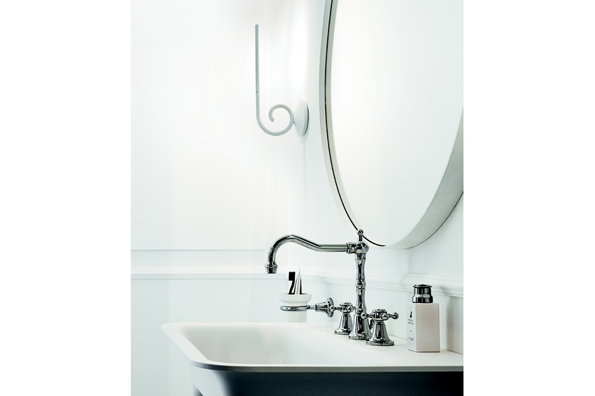 Agora 3th basin mixer.