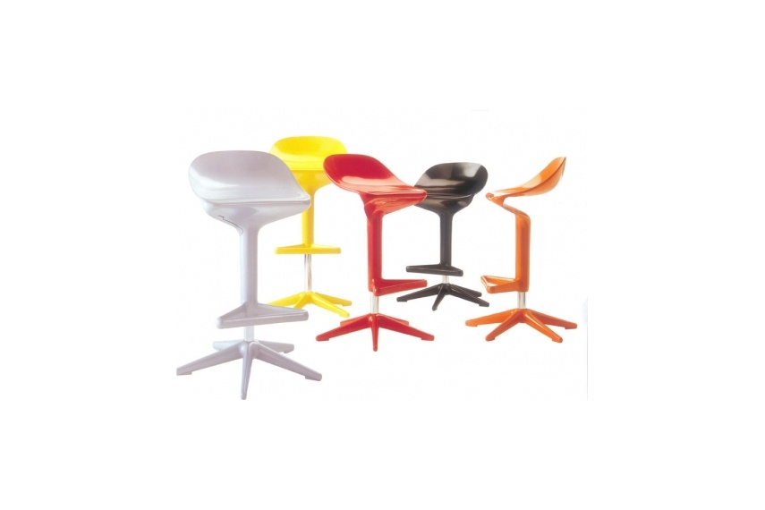Spoon stool designed by Antonio Citterio with Toan Nguyen for Kartell