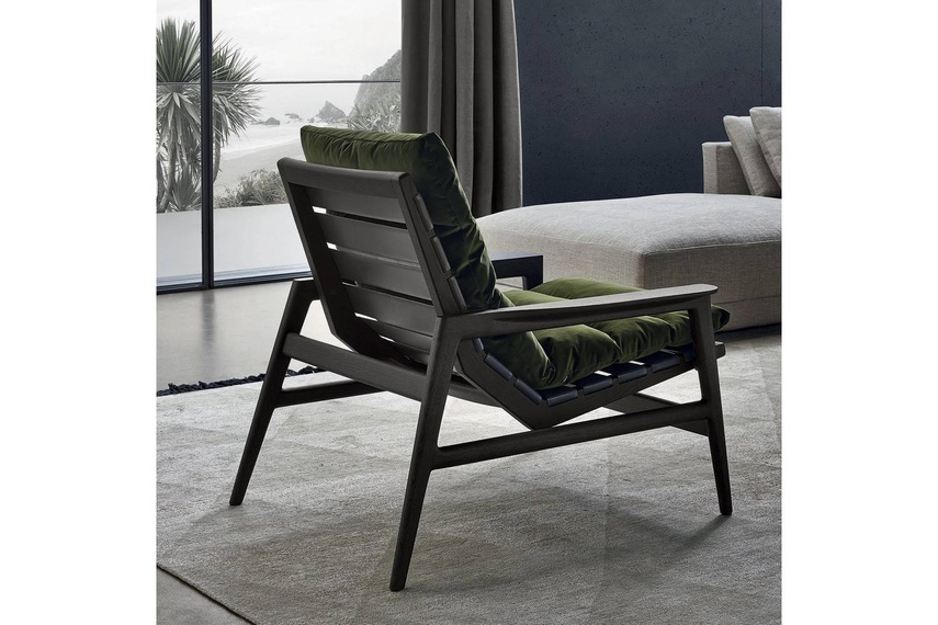 The Ipanema armchair offers a new concept of comfort