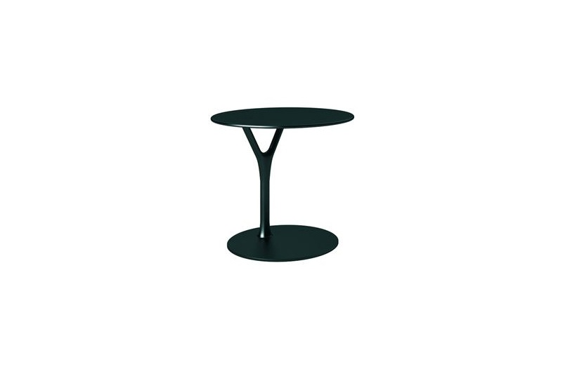 The Wishbone table, designed by Busk+Herzog for Frost Design, available from Katalog