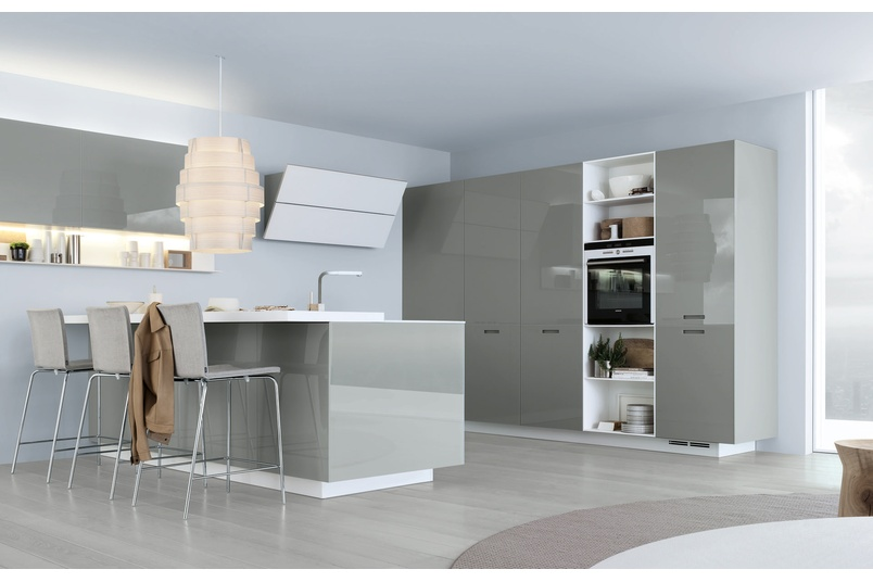 Kyton kitchen with island layout which allows for a complete integration with the living areas.