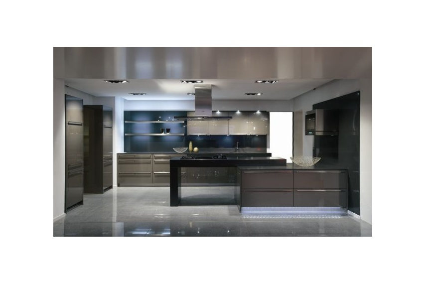 The Lux Magma high gloss lacquered kitchen with long bar handles