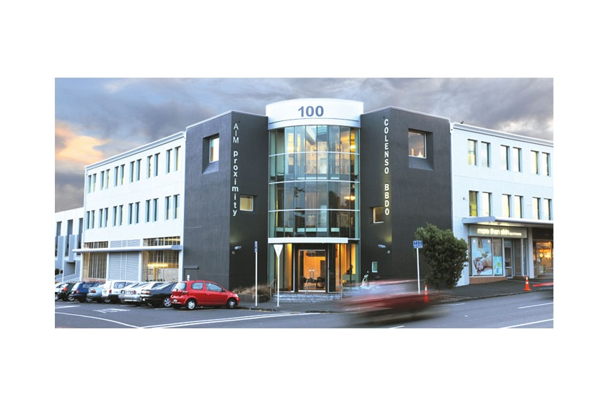 Resene X-200 waterproofing membrane and Sonyx 101 semi-gloss waterborne – exterior Colenson building