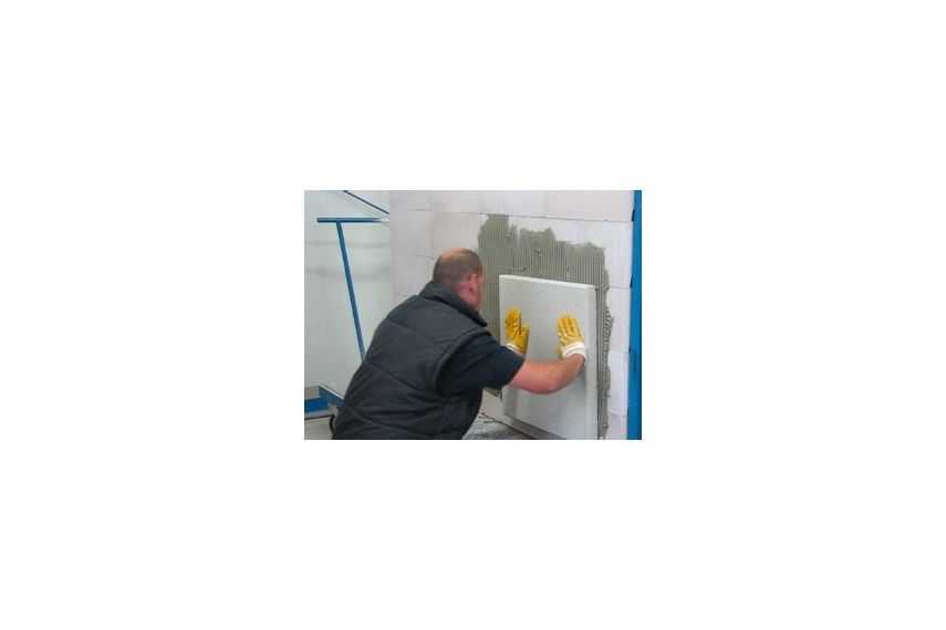 Fix Reapor panels to prepared substrate with firm pressure.