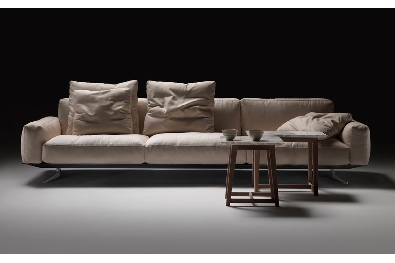 The Soft dream sofa is available in an extensive range of sizes to suit any home.