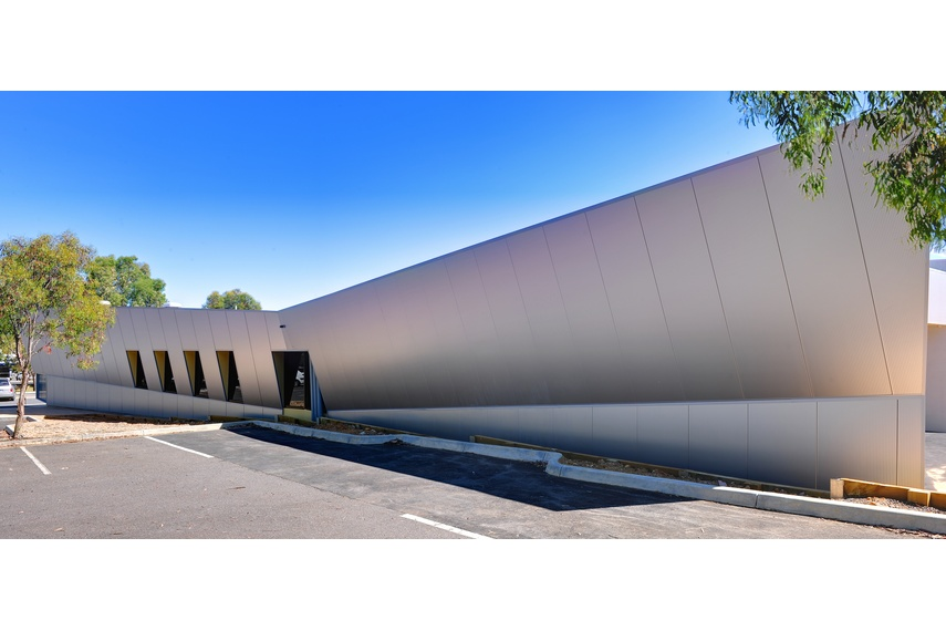 Kingspan insulated wall panels offer architects unprecedented freedom of design.