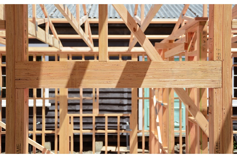 J-Lintel is a gauged structural LVL manufactured from 100% renewable Radiata Pine plantation forest.