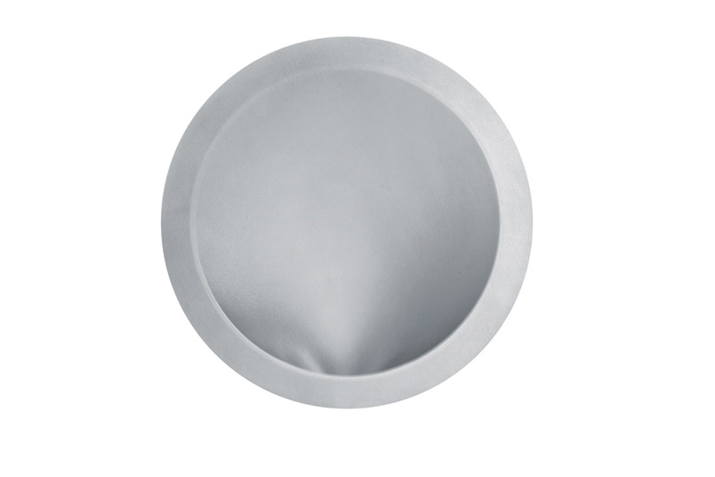 The W200 Curve wall light casts a soft, diffuse wash light.